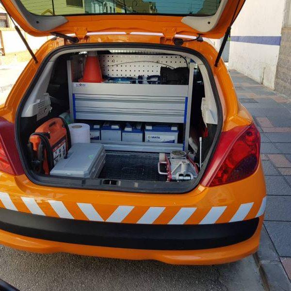 Muebles de aluminio coche taller en Sevilla